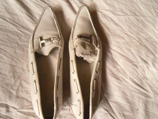 Туфли-мокасины женские. Италия, р. 38. Натуральная кожа.