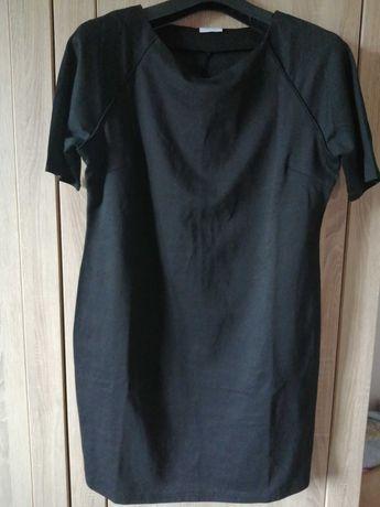 Sukienka mała czarna 42