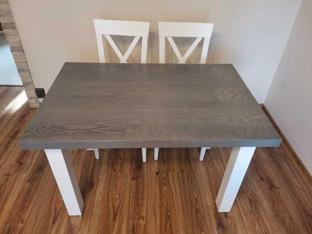Szary stół i 4 krzesła