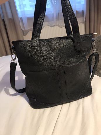 Czarna damska torebka A4 shopperka
