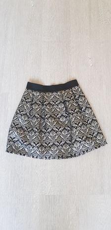 Rozkloszowana spódniczka glamour mini House 36 S