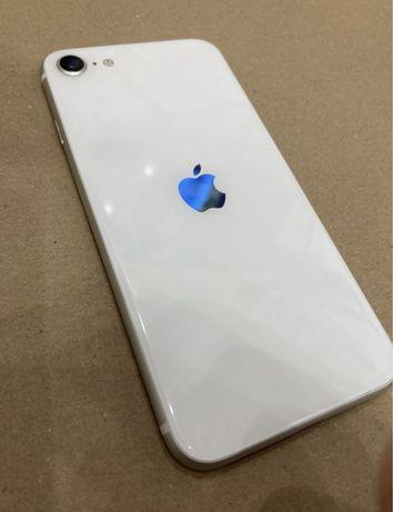 Хороший телефон Iphone SE 2gen Silver 64gb