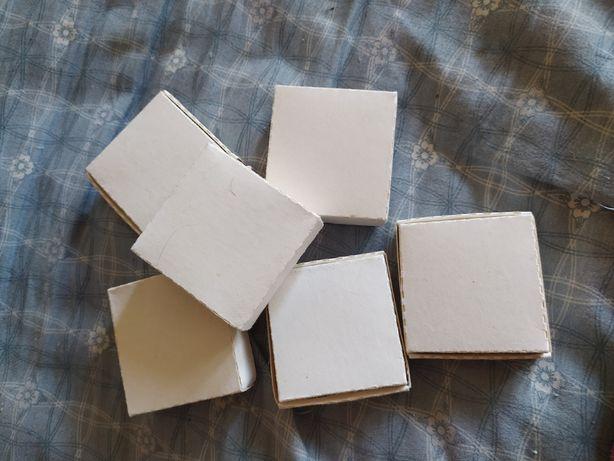 Картонная коробочка 6*6*2 см. плотные, упаковка, новые, цена за 100 шт