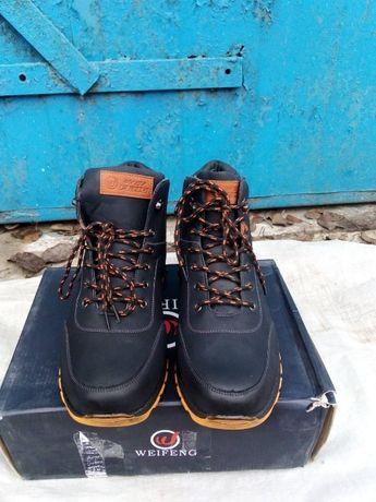 продам новые зимние мужские ботинки