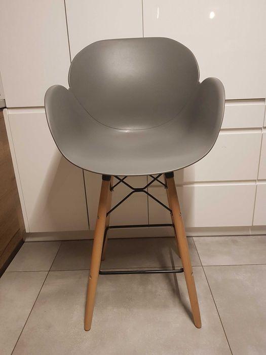 4 szt krzesła barowe , hokery Łochów - image 1