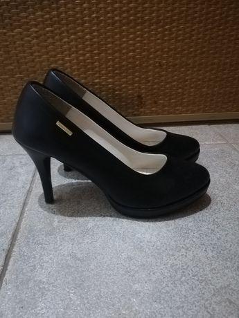 Buty różne rozmiar 38