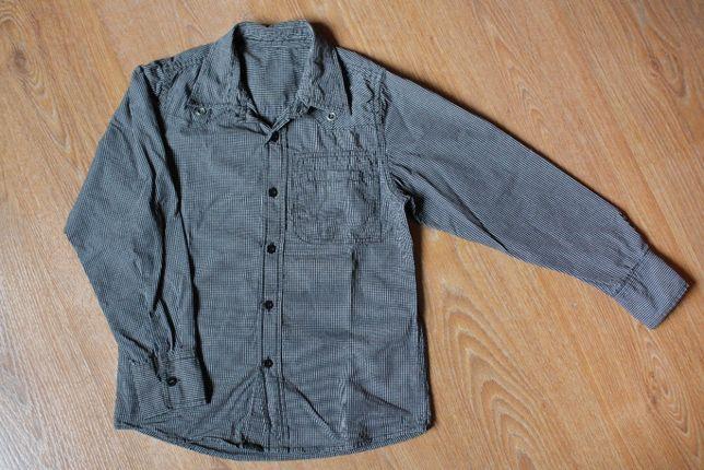 Фирменная рубашка в школу на стройного мальчика 9-10 лет.