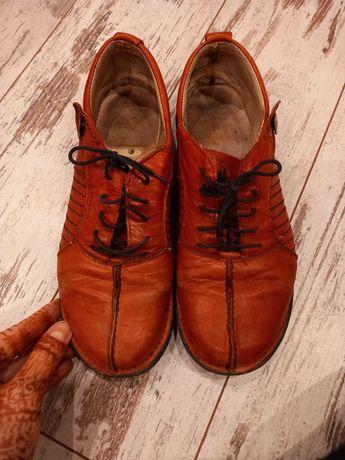 Skórzane wiązane buty Rylko