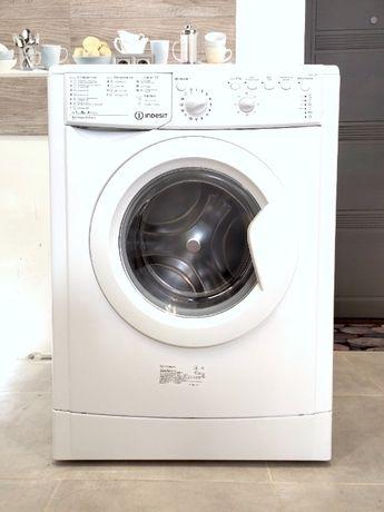 Стиральная машинка INDESIT IWSB 51051 5кг