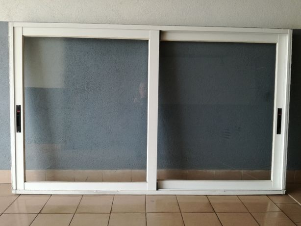 Janelas e porta em aluminio branco completas
