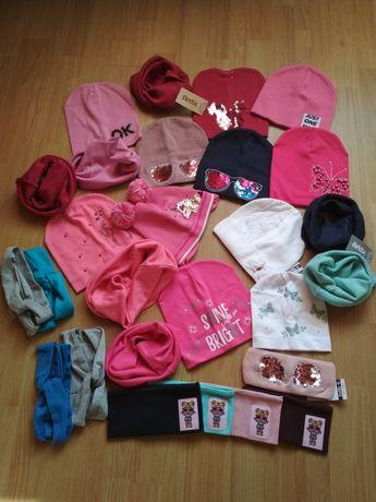 Деми, осенние вязаные шапки и трикотажные комплектики для девочек