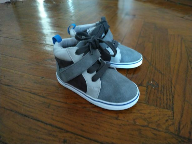 Новые ботиночки на мальчика 22 р