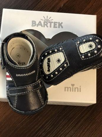 дитячі шкіряні кросівки Bartek з супінатором