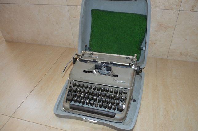 Maszyna do pisania OLYMPIA.