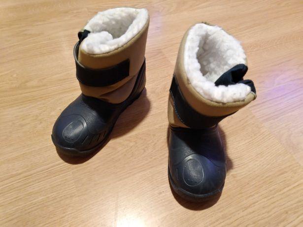 Botas de criança para a neve
