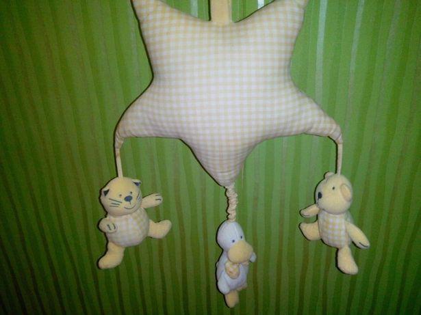 Детская музыкальная игрушка в кроватку или коляску