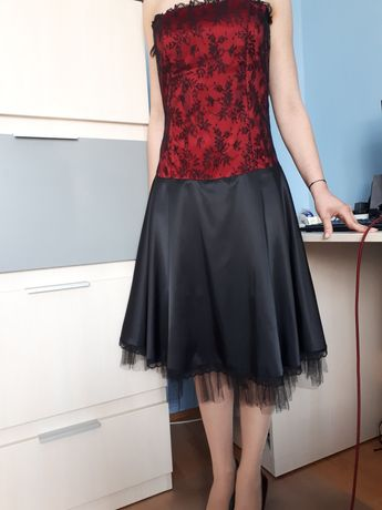 sukienka czarna czerwona