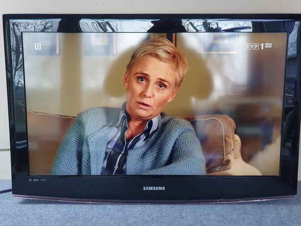 "Telewizor Samsung 32"" LE32B450 DVB-T (MPEG-4) / 3xHDMI / D-SUB /"