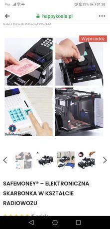 Elektroniczna skarbonka na banknoty i monety radiowóz