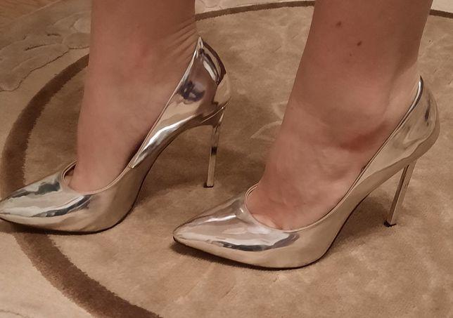 Туфли серебро 37 р.