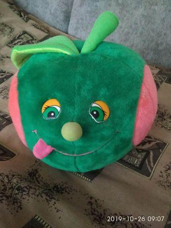 Мягкая игрушка-яблочко100грн.Район зоопарка или Советская.