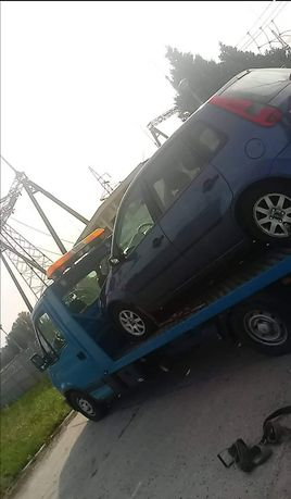 Usługi Auto lawetą 24h