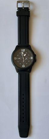 Relógio preto one