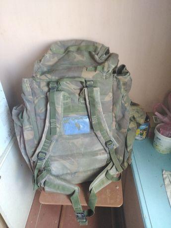 Рюкзак з розвантажоючою системою на 90 л. І два бокових кармана по 10л