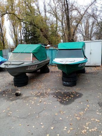 Продам лодку Крым с мотором Сузука 50