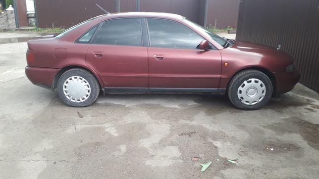 Audi a4 бензин