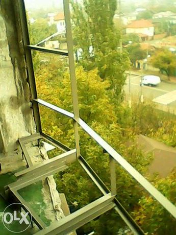 Расширение балконов. Металлоконструкции.