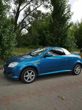 Opel Tigra  kabriolet, z niezawodnym silnikiem 1,8