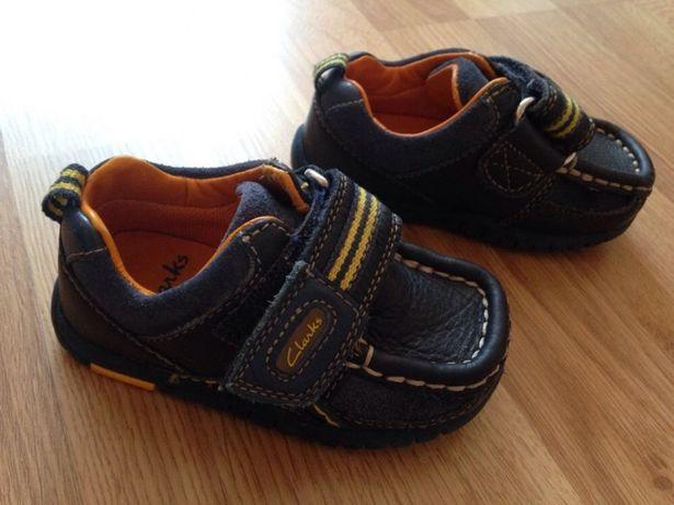 Продам туфельки на хлопчика Clarks