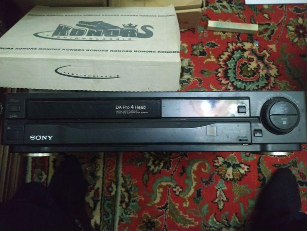 Видеомагнитофон Sony SLV-426EE.