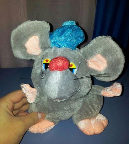 Мышь / Крыса, серая с синей шапочкой