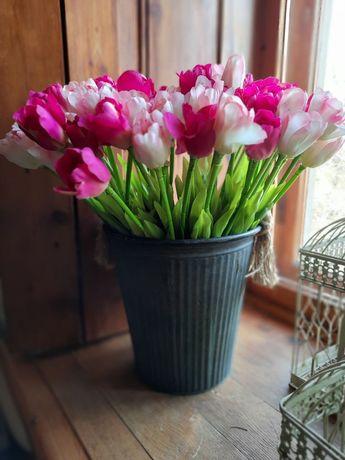 Тюльпаны. Цаеты искуственные.