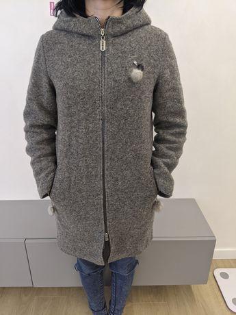 Пальто сіре, зимово-осіннє
