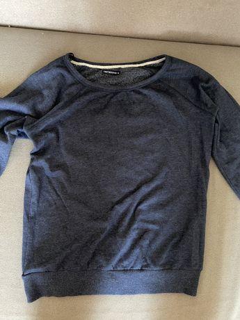 Продаю свитер terranova