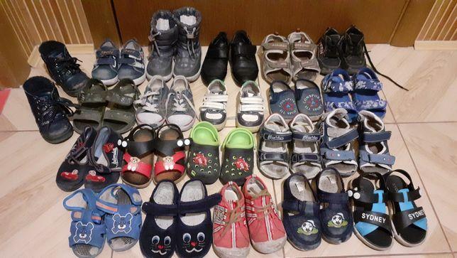 Босоніжки,кросівки