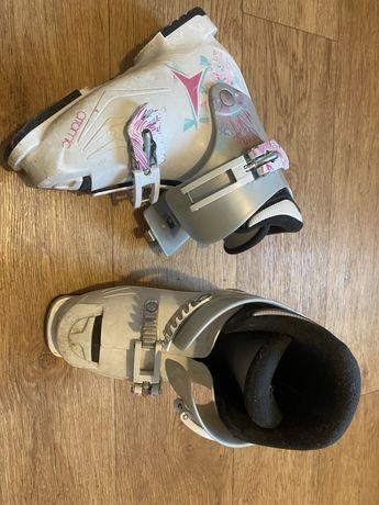 Детские горнолыжные ботинки Atomic