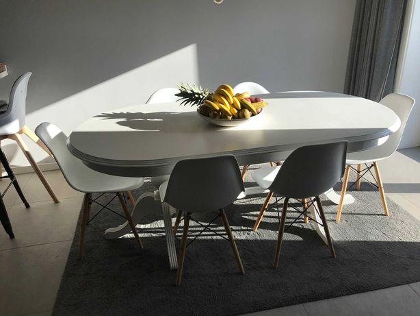 "Mesa ""vintage"" estilo Inglês + 6 (4+2) cadeiras estilo nórdico"