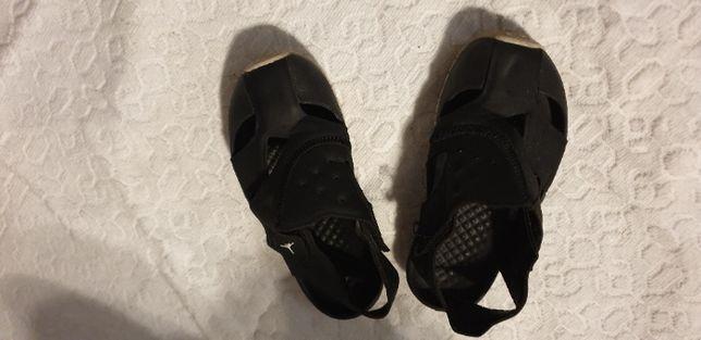 Sandałki Nike Jordan Flare r 26