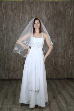 Свадебное платье + фата в подарок. Размер М