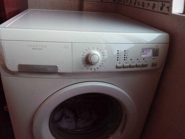 Máquina Lavar Roupa Electrolux INSPIRE 7kg Eco Valve (para peças)