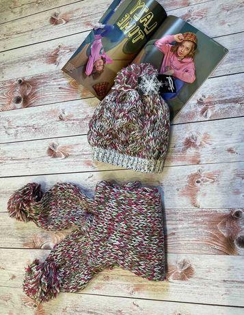 Зимний комплект шапка и шарф с бубонами от польской фабрики Loman.