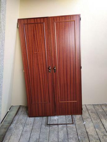 Vendo portas para armário