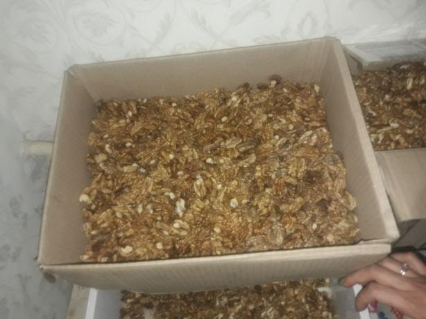 Продам грецкий орех, кругляк и чищенный
