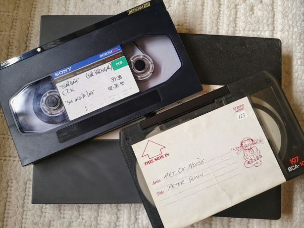 2 cassetes vídeo - Sony BetacamSP, BCA-10 - Stargate e Art of noise