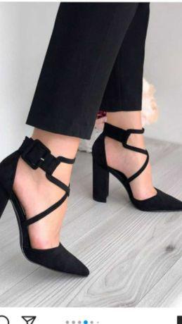 Изящные туфельки