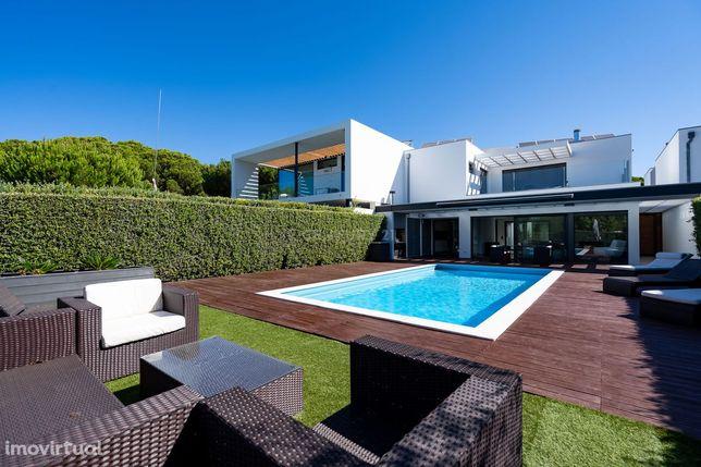 Moradia T5 com piscina em Vilamoura